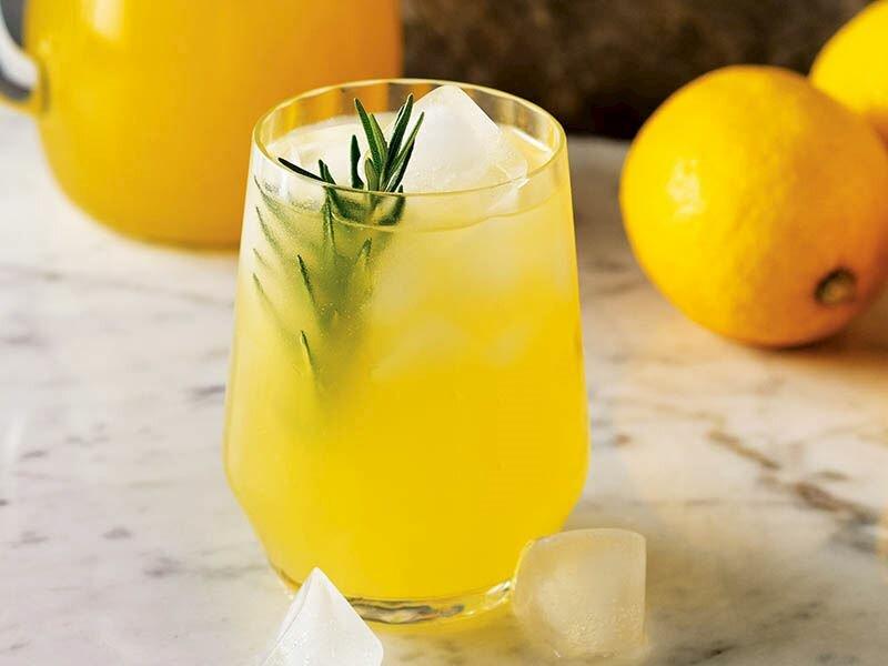 Sağlıklı Bir İçecek: Limonata